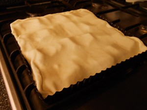 Apple pie: Cover with dough kipkitchen.com #ApplePie #recipe #desserts
