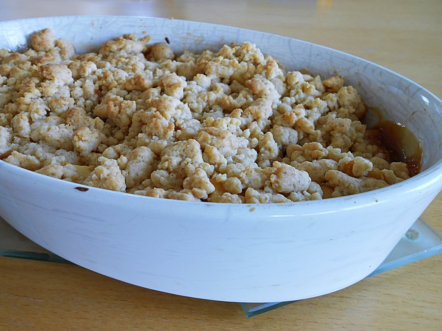 Easy Apple Crumble Recipe. How to Make a No-Oats Dessert