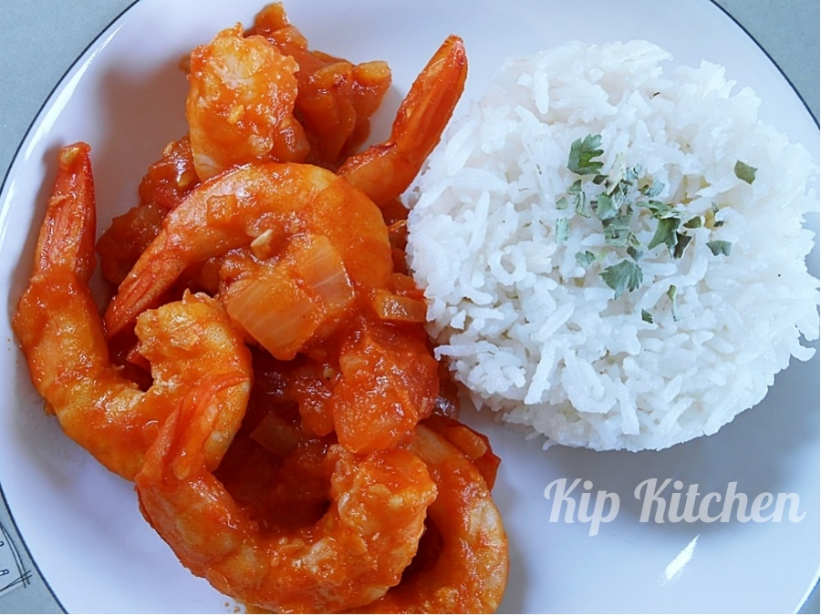 Shrimps Stir Fry in Hot Sauce | kipkitchen.com #shrimps #StirFry #HotSauce #recipe #dinner