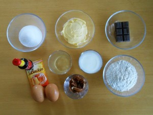 Madeleine Cookie Recipe Ingredients | kipkitchen.com #recipe #food #chocolate #paris