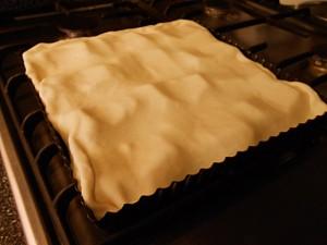 Apple pie: Cover with dough kipkitchen.com #ApplePie #recipe #desserts