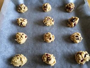 Cranberry Cookies Step 4b | kipkitchen.com | #baking #cookies #recipe