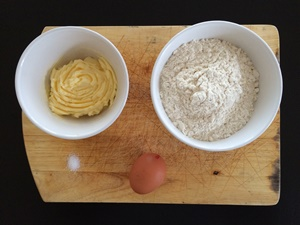 French Quiche with Leeks - Ingredients | kipkitchen.com