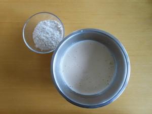 Madeleine Cookie Recipe Add Honey, Flour & Baking Powder | kipkitchen.com #recipe #food #chocolate #paris