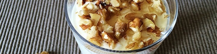 Yogurt with Honey and Walnuts. A Healthy Breakfast | kipkitchen.com